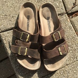 Ladies Brown Leather Softmoc Sandals Size 9